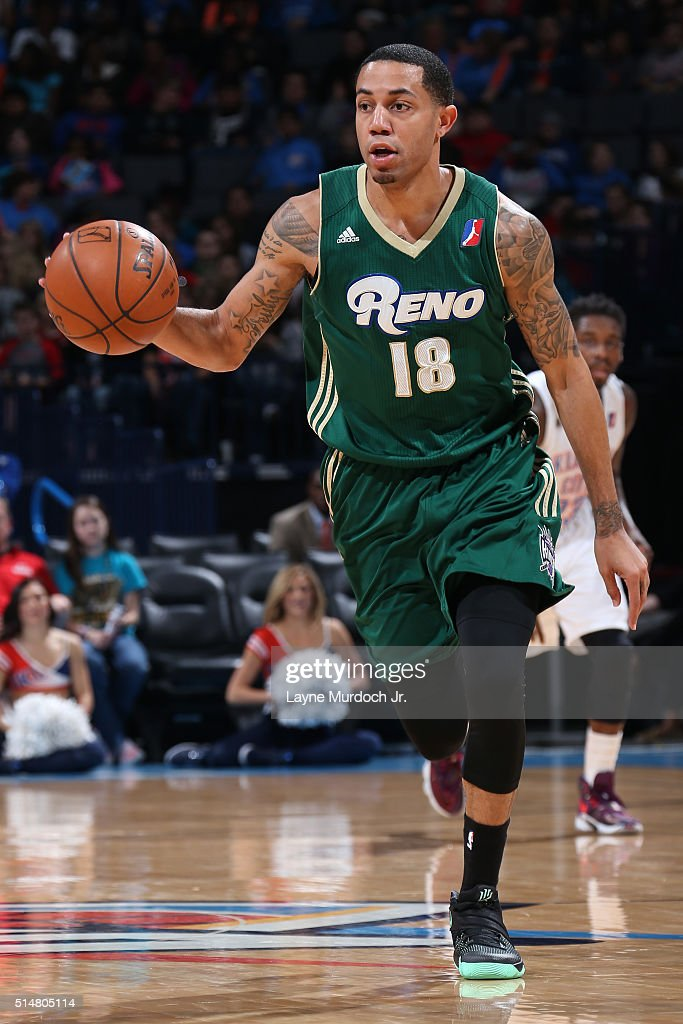 <a gi-track='captionPersonalityLinkClicked' href=/galleries/search?phrase=Erick+Green&family=editorial&specificpeople=7348606 ng-click='$event.stopPropagation()'>Erick Green</a> #18 of the Reno Bighorns dribbles the ball against the Oklahoma City Blue during an NBA D-League game on March 10, 2016 at the Chesapeake Energy Arena in Oklahoma City, Oklahoma.