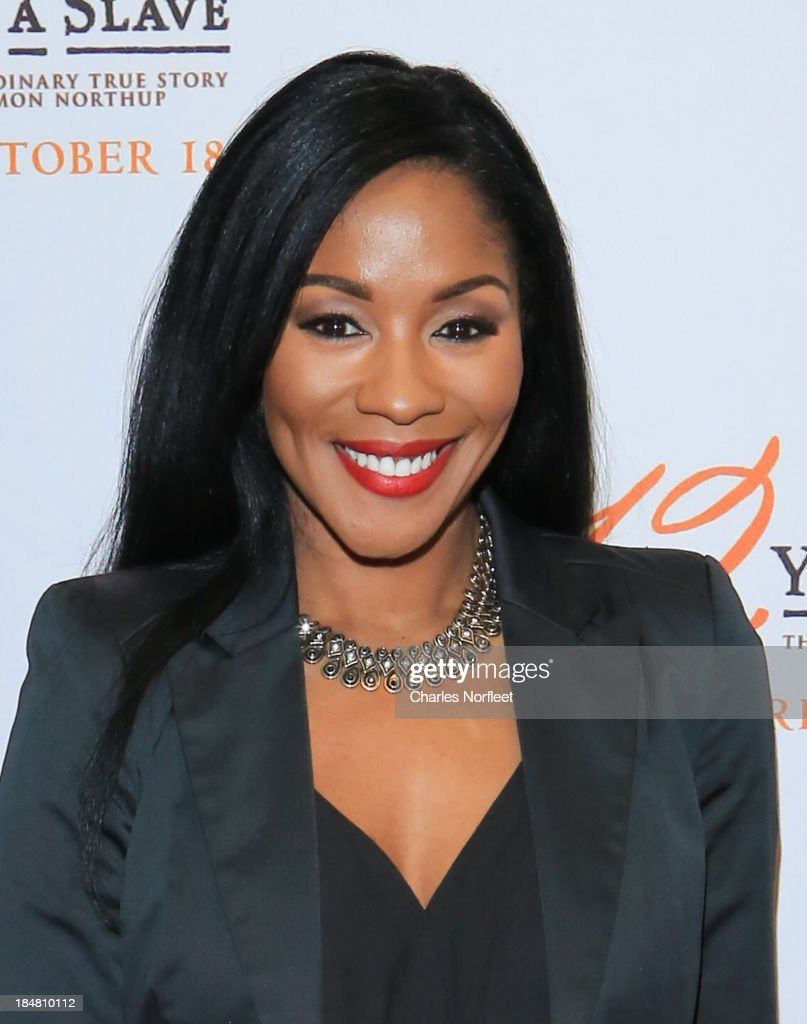 Ericka Pittman, VP at the Blue Flame Agency attends the '12 Years A Slave' screening at AMC Empire 25 theater on October 16, 2013 in New York City.