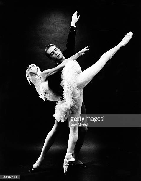 Erik Bruhn and Maria Tallchief in New York City Ballet's 'Swan Lake' 1960