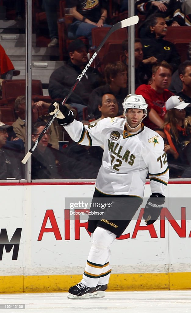 <a gi-track='captionPersonalityLinkClicked' href=/galleries/search?phrase=Erik+Cole&family=editorial&specificpeople=204754 ng-click='$event.stopPropagation()'>Erik Cole</a> #72 of the Dallas Stars celebrates after scoring a goal during the game against the Anaheim Ducks on April 3, 2013 at Honda Center in Anaheim, California.