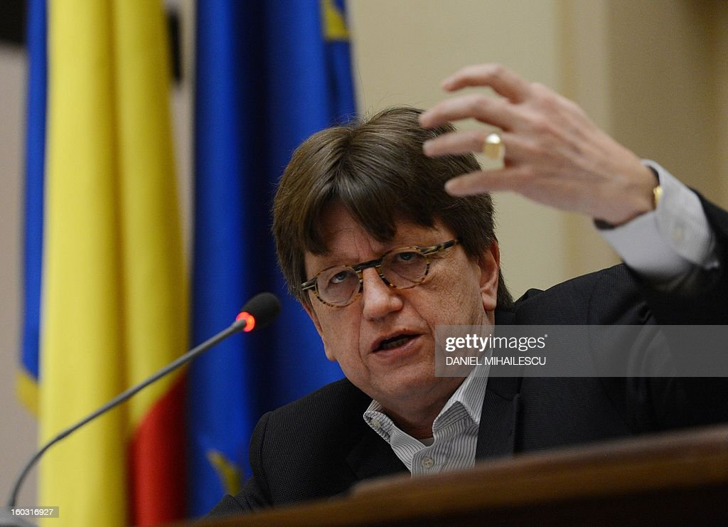Erik de Vrijer, Chief of the IMF delegation to Romania gestures during a press conference at the Romanian National Bank in Bucharest, January 29, 2013. IMF auditors were in Romania from January 15 to January 29 to discuss the 2013 draft budget and progress on reforms in what will be the first test for Prime Minister Victor Ponta's new centre-left government. AFP PHOTO DANIEL MIHAILESCU