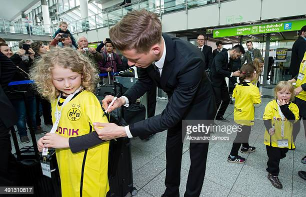 Erik Durm of Borussia Dortmund departs to the 2014 DFB Cup Final on May 16 2014 in Dortmund Germany
