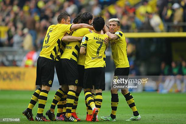 Erik Durm of Dortmund celebrates the second goal with his team mates during the Bundesliga match between Borussia Dortmund and Hertha BSC Bwerlin at...