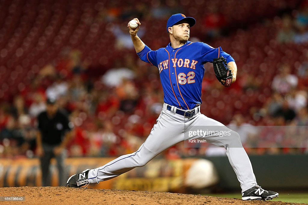 Erik Goeddel #62 of the New York Mets pitches for the save during the ninth inning against the Cincinnati Reds at Great American Ball Park on September 5, 2014 in Cincinnati, Ohio. New York defeated Cincinnati 14-5.