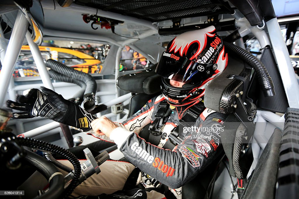 <a gi-track='captionPersonalityLinkClicked' href=/galleries/search?phrase=Erik+Jones+-+Pilota+di+auto+da+corsa&family=editorial&specificpeople=13494574 ng-click='$event.stopPropagation()'>Erik Jones</a>, driver of the #20 GameStop Toyota, sits in his car in the garage area during practice for the NASCAR XFINITY Series Sparks Energy 300 at Talladega Superspeedway on April 29, 2016 in Talladega, Alabama.