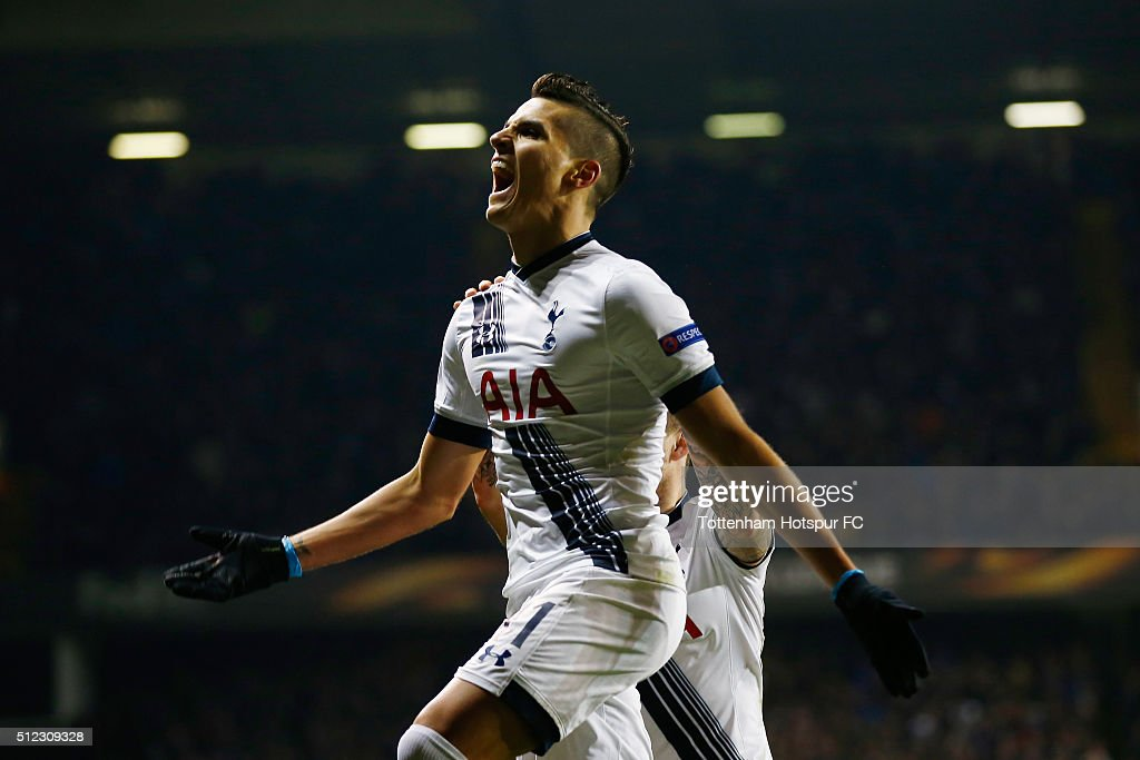 <a gi-track='captionPersonalityLinkClicked' href=/galleries/search?phrase=Erik+Lamela&family=editorial&specificpeople=7198648 ng-click='$event.stopPropagation()'>Erik Lamela</a> of Tottenham Hotspur celebrates scoring his team's second goal during the UEFA Europa League round of 32, second leg match between Tottenham Hotspur and Fiorentina at White Hart Lane on February 25, 2016 in London, United Kingdom.