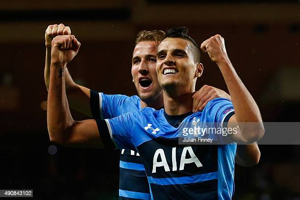 Erik Lamela of Tottenham Hotspur celebrates scoring the opening goal with Harry Kane of Tottenham Hotspur during the UEFA Europa League group J match...