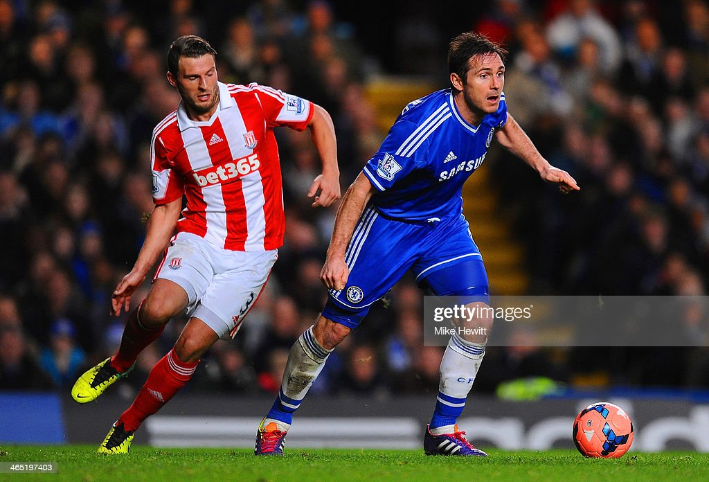 Erik Pieters of Stoke City closes down <a gi-track='captionPersonalityLinkClicked' href=/galleries/search?phrase=Frank+Lampard+-+Born+1978&family=editorial&specificpeople=11497645 ng-click='$event.stopPropagation()'>Frank Lampard</a> of Chelsea during the FA Cup Fourth Round between Chelsea and Stoke City at Stamford Bridge on January 26, 2014 in London, England.