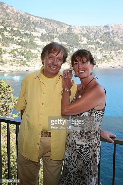 Erik Silvester Ehefrau Marlene ExklusivHomestory Ferienhaus Andratx/Mallorca Spanien Europa Balkon Terrasse Meer Küste Felsküste Steilküste Ausblick...