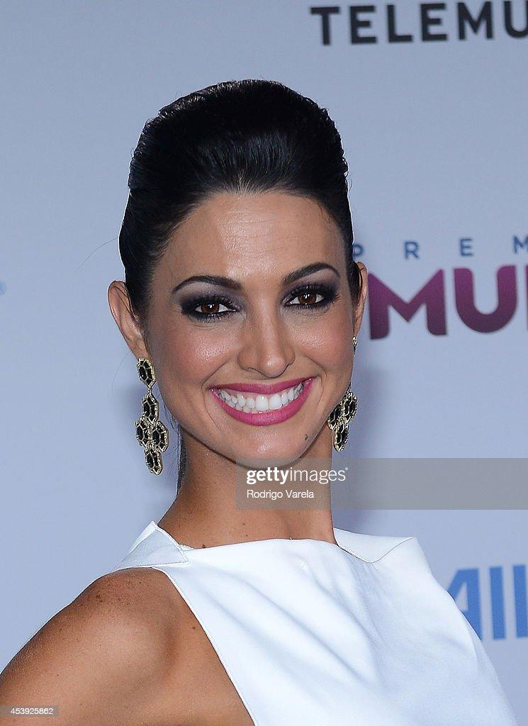Erika Csiszer arrives at Premios Tu Mundo Awards at American Airlines Arena on August 21, 2014 in Miami, Florida.