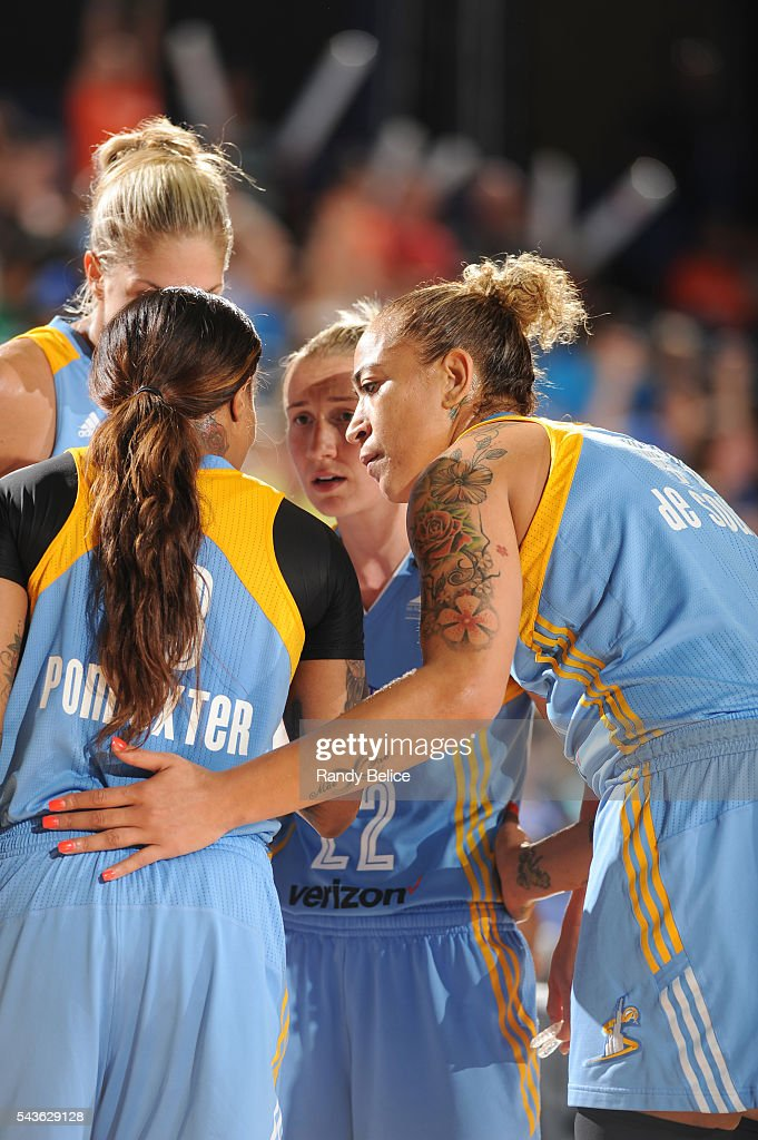 Erika de Souza #41 of the Chicago Sky huddles with teammates during the game against the Indiana Fever on June 29, 2016 at Allstate Arena in Rosemont, IL.