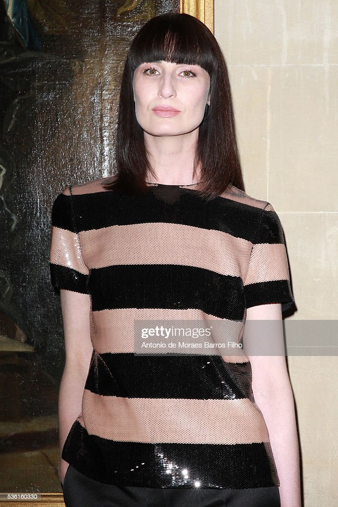 <a gi-track='captionPersonalityLinkClicked' href=/galleries/search?phrase=Erin+O%27Connor&family=editorial&specificpeople=204677 ng-click='$event.stopPropagation()'>Erin O'Connor</a> attends Christian Dior showcases its spring summer 2017 cruise collection at Blenheim Palace on May 31, 2016 in Woodstock, England.