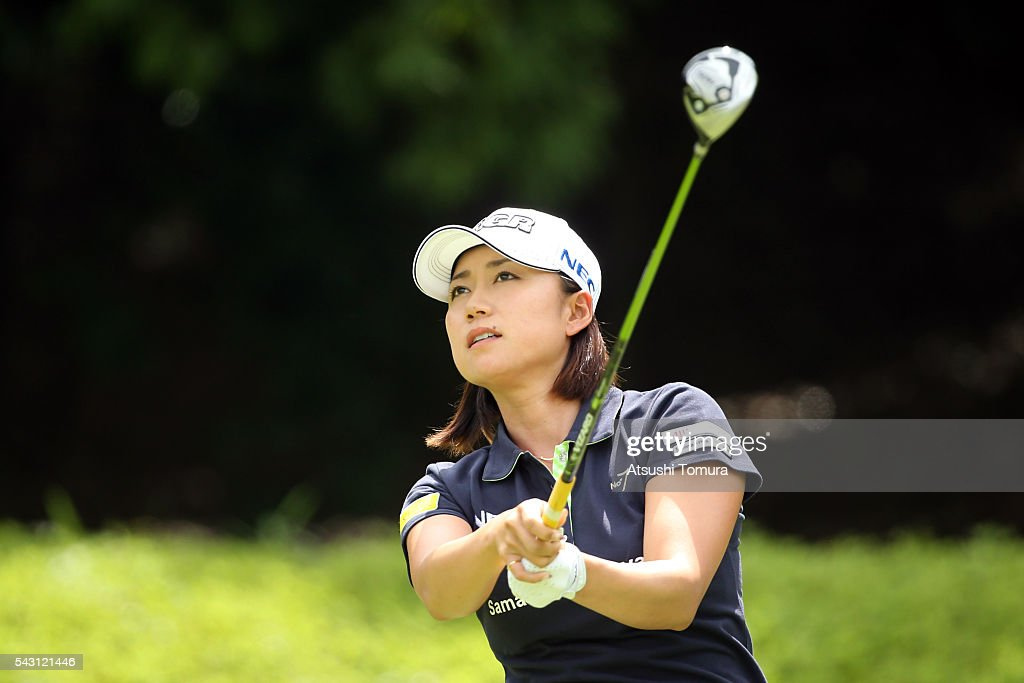 <a gi-track='captionPersonalityLinkClicked' href=/galleries/search?phrase=Erina+Hara&family=editorial&specificpeople=2646543 ng-click='$event.stopPropagation()'>Erina Hara</a> of Japan hits her tee shot on the 2nd hole during the final round of the Earth Mondamin Cup at the Camellia Hills Country Club on June 25, 2016 in Sodegaura, Japan.
