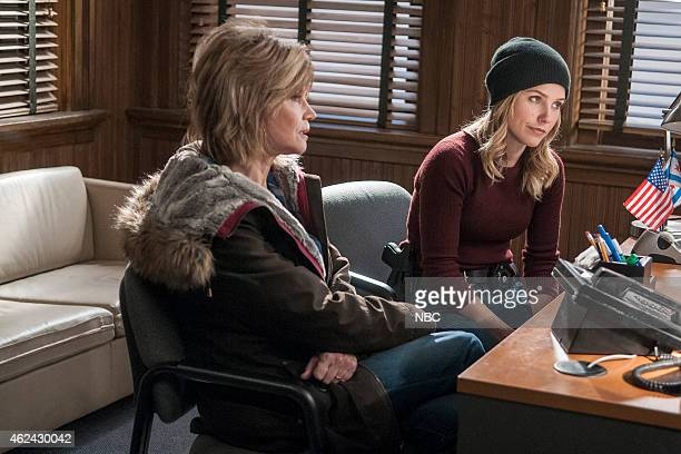 D 'Erin's Mom' Episode 214 Pictured Markie Post as Bunny Sophia Bush as Erin Lindsay