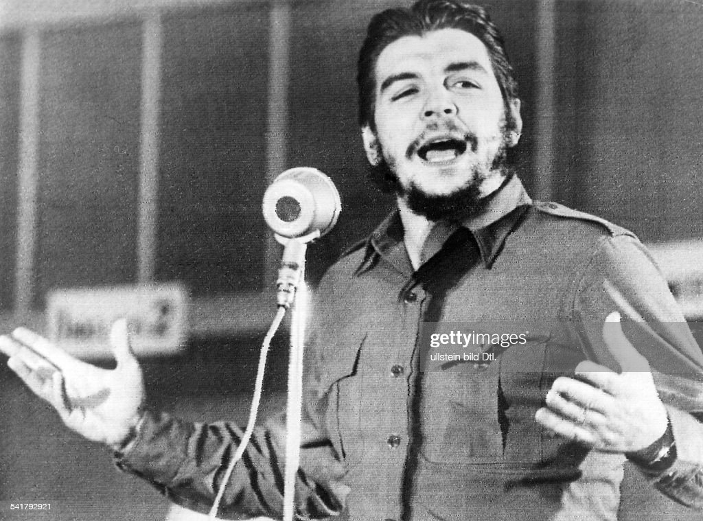 Ernesto <a gi-track='captionPersonalityLinkClicked' href=/galleries/search?phrase=Che+Guevara&family=editorial&specificpeople=67207 ng-click='$event.stopPropagation()'>Che Guevara</a> *-+Arzt, Politiker, Argentinien / Kubabei einer Rede- undatiert
