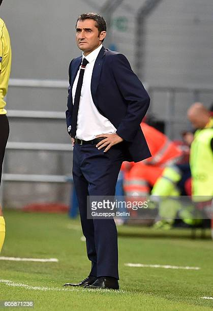 Ernesto Valverde head coach of Athletic Club during the UEFA Europa League match between US Sassuolo Calcio and Athletic Club at Mapei Stadium Citta'...