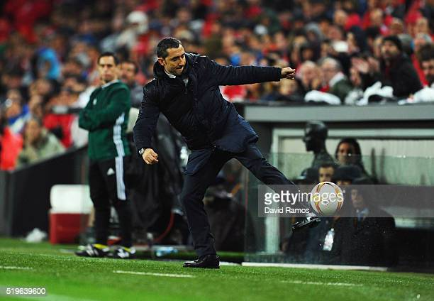 Ernesto Valverde manager of Athletic Club Bilbao controls the ball during the UEFA Europa League quarter final first leg match between Athletic...