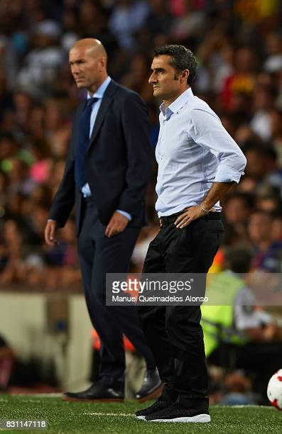 Ernesto Valverde Manager of Barcelona looks on during the Supercopa de Espana Supercopa Final 1st Leg match between FC Barcelona and Real Madrid at...