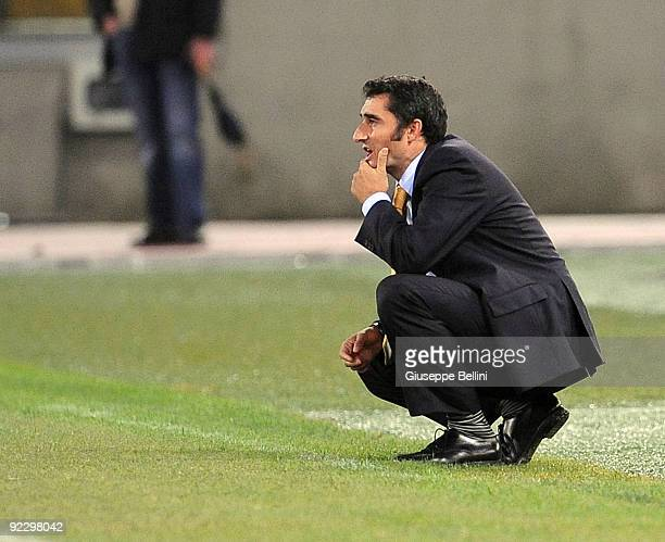 Ernesto Valverde the head coach of Villarreal CF during the UEFA Europa League group G match between SS Lazio and Villareal CF at Olimpico Stadium on...