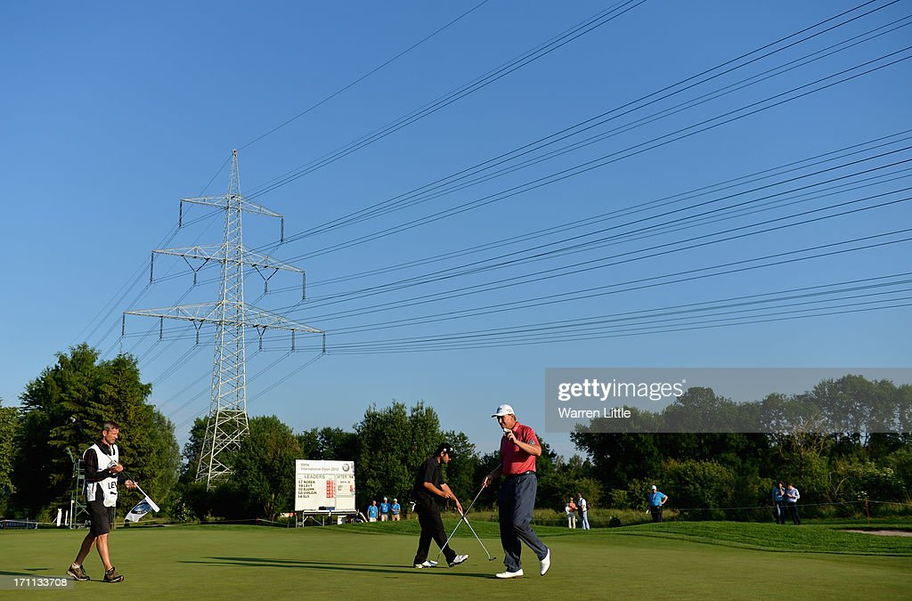 <a gi-track='captionPersonalityLinkClicked' href=/galleries/search?phrase=Ernie+Els&family=editorial&specificpeople=162688 ng-click='$event.stopPropagation()'>Ernie Els</a> of South Africa acknowledges the crowd on the 15th green during the third round of the BMW International Open at Golfclub Munchen Eichenried on June 22, 2013 in Munich, Germany.