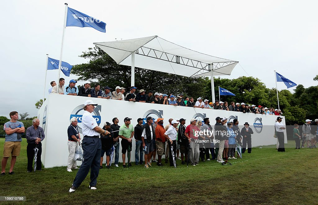 <a gi-track='captionPersonalityLinkClicked' href=/galleries/search?phrase=Ernie+Els&family=editorial&specificpeople=162688 ng-click='$event.stopPropagation()'>Ernie Els</a> of South Africa chips onto the 13th green during the second round of the Volvo Golf Champions at Durban Country Club on January 11, 2013 in Durban, South Africa.