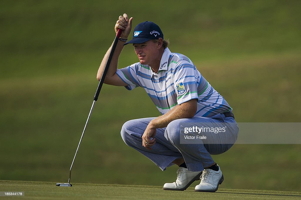 <a gi-track='captionPersonalityLinkClicked' href=/galleries/search?phrase=Ernie+Els&family=editorial&specificpeople=162688 ng-click='$event.stopPropagation()'>Ernie Els</a> of South Africa lines up a putt on the 15th green during day three of the Venetian Macau Open at Macau Golf and Country Club on October 19, 2013 in Macau, Macau.