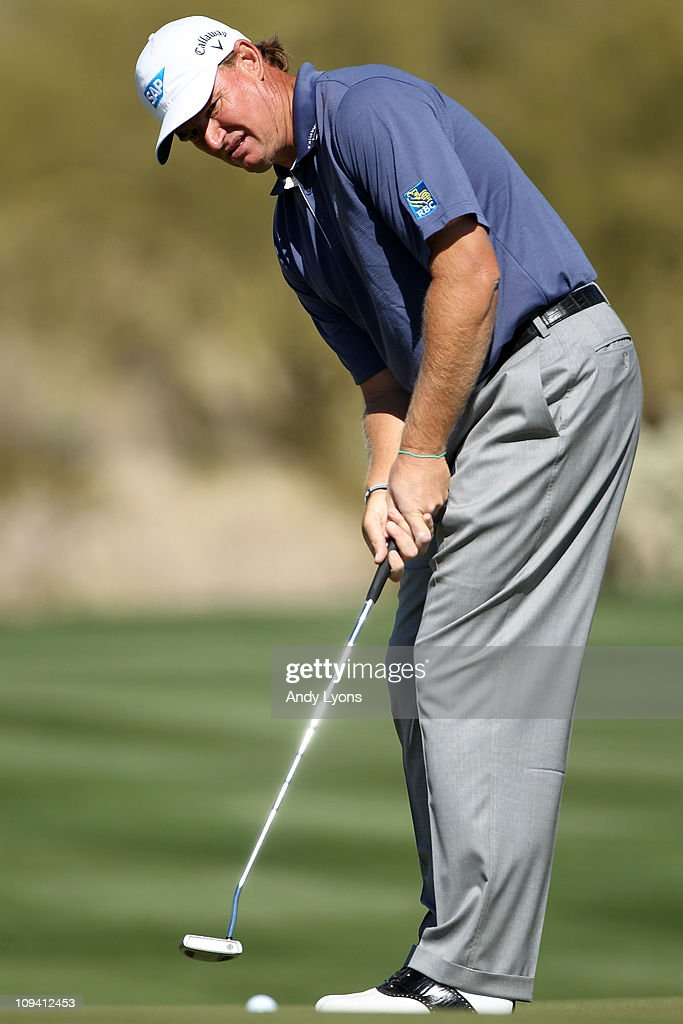 <a gi-track='captionPersonalityLinkClicked' href=/galleries/search?phrase=Ernie+Els&family=editorial&specificpeople=162688 ng-click='$event.stopPropagation()'>Ernie Els</a> of South Africa putts during the second round of the Accenture Match Play Championship at the Ritz-Carlton Golf Club on February 24, 2011 in Marana, Arizona.