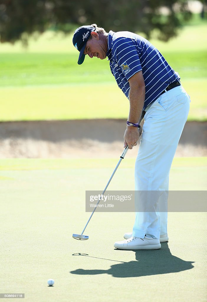 <a gi-track='captionPersonalityLinkClicked' href=/galleries/search?phrase=Ernie+Els&family=editorial&specificpeople=162688 ng-click='$event.stopPropagation()'>Ernie Els</a> of South Africa putts on the 6th green during the third round of the Omega Dubai Desert Classic at the Emirates Golf Club on February 6, 2016 in Dubai, United Arab Emirates.