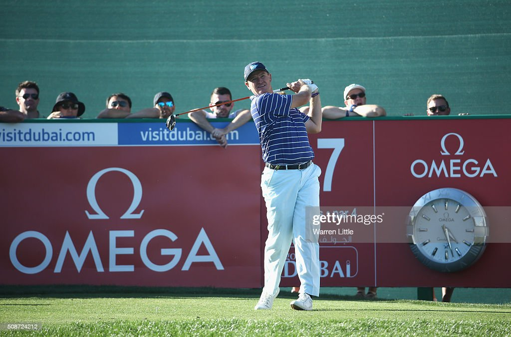 <a gi-track='captionPersonalityLinkClicked' href=/galleries/search?phrase=Ernie+Els&family=editorial&specificpeople=162688 ng-click='$event.stopPropagation()'>Ernie Els</a> of South Africa tees off on the 17th hole during the third round of the Omega Dubai Desert Classic at the Emirates Golf Club on February 6, 2016 in Dubai, United Arab Emirates.