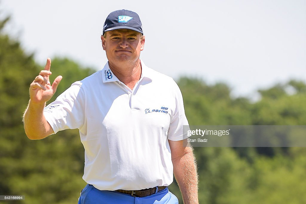 <a gi-track='captionPersonalityLinkClicked' href=/galleries/search?phrase=Ernie+Els&family=editorial&specificpeople=162688 ng-click='$event.stopPropagation()'>Ernie Els</a> of South Africa waves to fans after making a birdie putt on the first hole green during the final round of the Quicken Loans National at Congressional Country Club (Blue) on June 26, 2016 in Bethesda, Maryland.