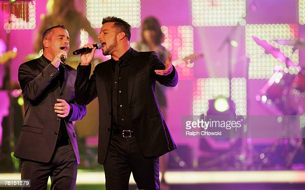 Eros Ramazotti and Ricky Martin perform on stage at the annual Bambi Awards 2007 on November 29 2007 in Duesseldorf Germany