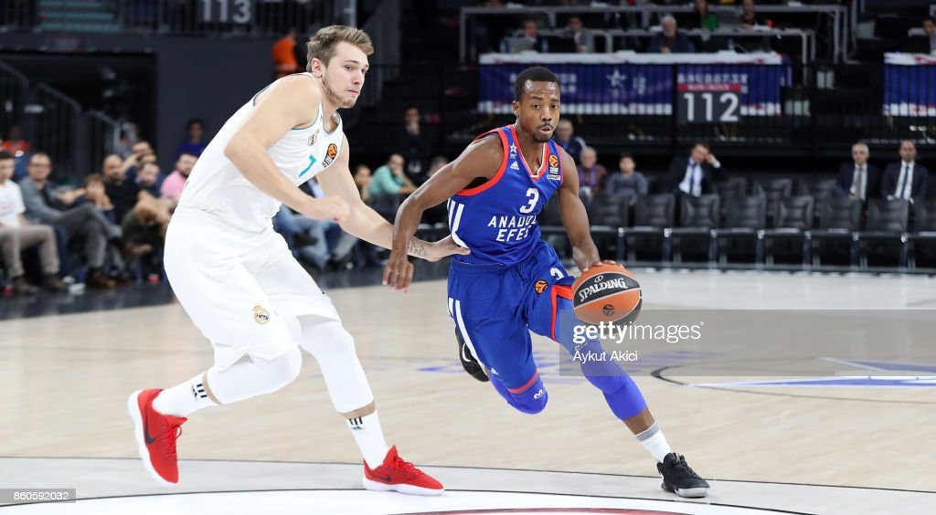 Errick McCollum, #3 of Anadolu Efes Istanbul in action during the 2017/2018 Turkish Airlines EuroLeague Regular Season Round 1 game between Anadolu Efes Istanbul v Real Madrid at Sinan Erdem Dome on October 12, 2017 in Istanbul, Turkey.