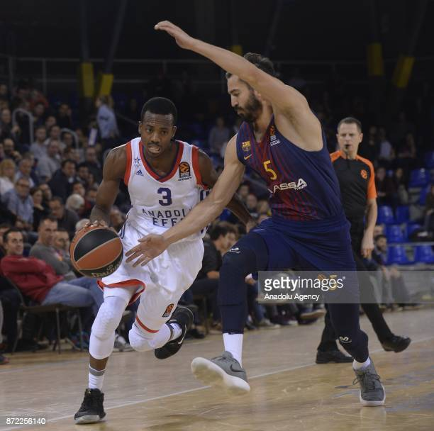 Errick Mccollum of Anadolu Efes in action against Pau Ribas of Barcelona during the Turkish Airlines Euroleague basketball match between Barcelona...