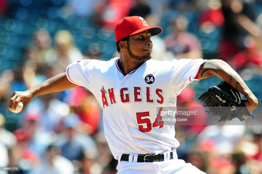 <a gi-track='captionPersonalityLinkClicked' href=/galleries/search?phrase=Ervin+Santana&family=editorial&specificpeople=243096 ng-click='$event.stopPropagation()'>Ervin Santana</a> #54 of the Los Angeles Angels of Anaheim pitches against the Chicago White Sox at Angel Stadium on September 12, 2009 in Anaheim, California.