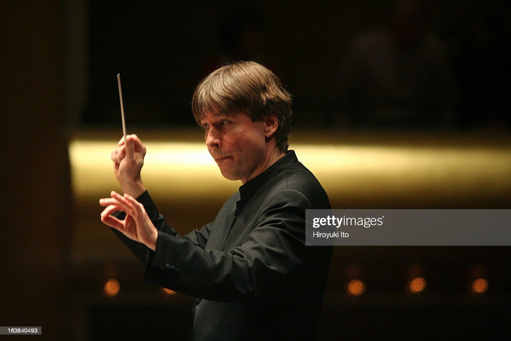 <a gi-track='captionPersonalityLinkClicked' href=/galleries/search?phrase=Esa-Pekka+Salonen&family=editorial&specificpeople=3141979 ng-click='$event.stopPropagation()'>Esa-Pekka Salonen</a> conducts the New York Philharmonic in Musorgsky's 'Pictures at an Exhibition' at Avery Fisher Hall on February 1, 2007.