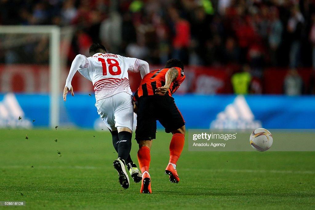 Escudero of Sevilla in action against Wellington Nem of Shaktar Donetsk during the UEFA Europa League semifinal second leg football match between...