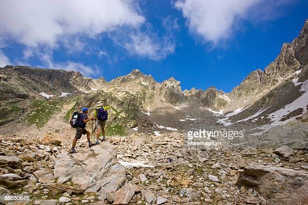Escure little valley, trail to Rifugio Cougourda
