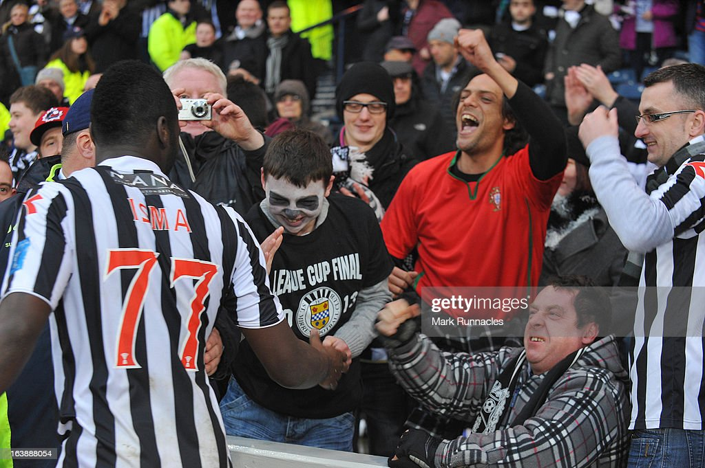 Esmael Goncalves of St Mirren celebrates with supporters at the end of the Scottish Communities League Cup Final between St Mirren and Hearts at Hampden Park on March 17, 2013 in Glasgow, Scotland.
