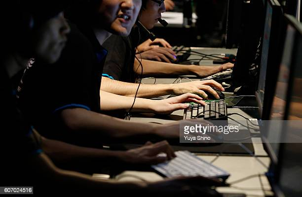 Sports players compete a video game at Tokyo Game Show on September 17 2016 in Chiba Japan Tokyo Game Show 2016 is held from September 15 to...