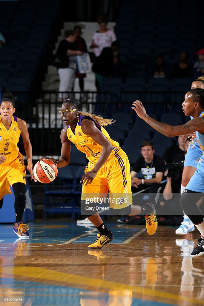<a gi-track='captionPersonalityLinkClicked' href=/galleries/search?phrase=Essence+Carson&family=editorial&specificpeople=2351517 ng-click='$event.stopPropagation()'>Essence Carson</a> #17 of the Los Angeles Sparks handles the ball during the game against the Chicago Sky on May 24, 2016 at the Allstate Arena in Chicago, Illinois.