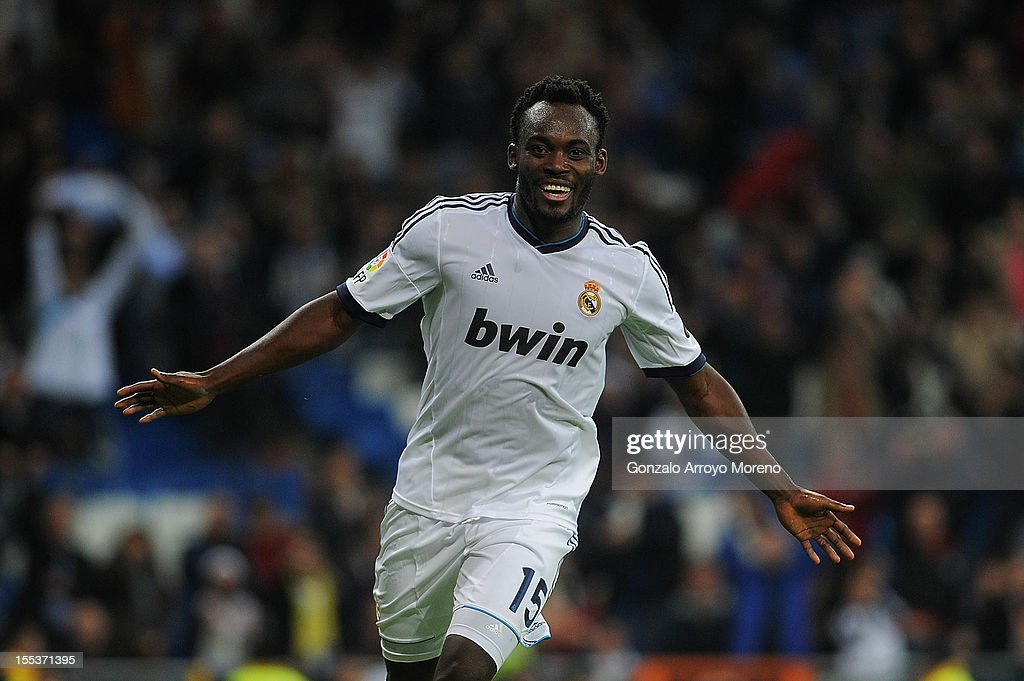 Essien of Real Madrid CF celebrates scoring their third goal during the La Liga match between Real Madrid CF and Real Zaragoza at Estadio Santiago Bernabeu on November 3, 2012 in Madrid, Spain.