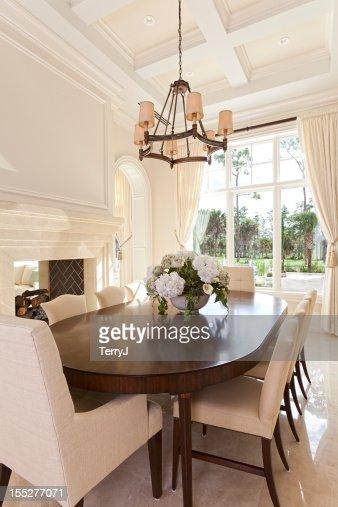 Estate Dining