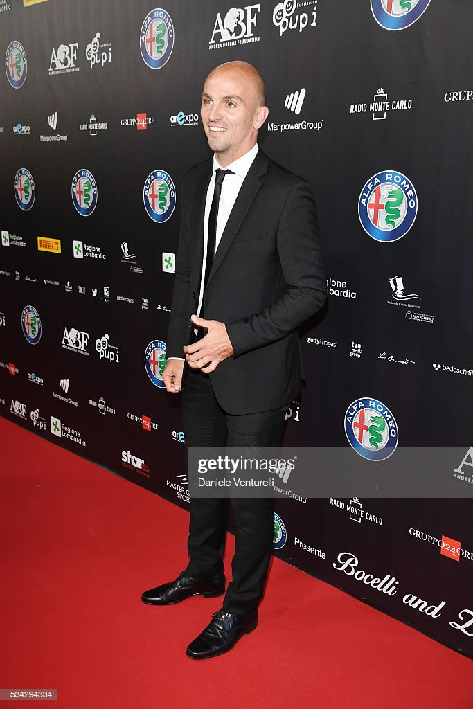 <a gi-track='captionPersonalityLinkClicked' href=/galleries/search?phrase=Esteban+Cambiasso&family=editorial&specificpeople=213561 ng-click='$event.stopPropagation()'>Esteban Cambiasso</a> walks the red carpet of Bocelli and Zanetti Night on May 25, 2016 in Rho, Italy.