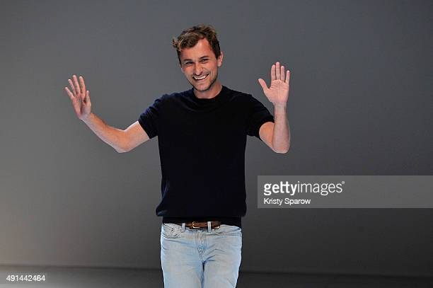 Esteban Cortazar acknowledges the audience during the Esteban Cortazar show as part of Paris Fashion Week Womenswear Spring/Summer 2016 on October 5...