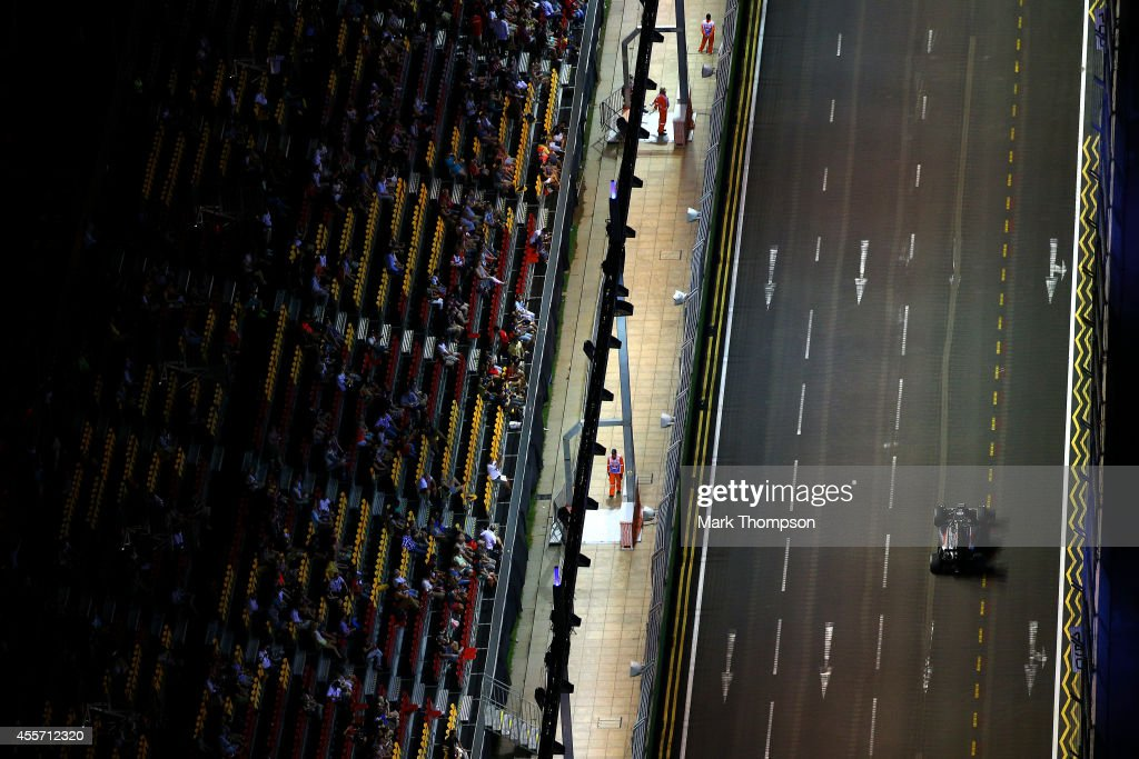 Esteban Gutierrez of Mexico and Sauber F1 drives during practice ahead of the Singapore Formula One Grand Prix at Marina Bay Street Circuit on September 19, 2014 in Singapore, Singapore.