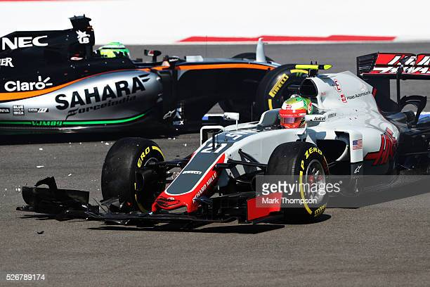 Esteban Gutierrez of Mexico driving the Haas F1 Team HaasFerrari VF16 Ferrari 059/5 turbo andNico Hulkenberg of Germany driving the Sahara Force...