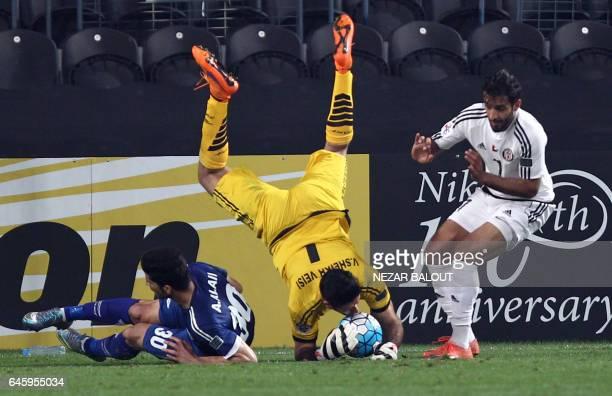 TOPSHOT Esteghlal Khuzestan's Vahid Sheikhveysi defends during an Asian Champions League Group B football match against UAE's alJazira at Mohammed...
