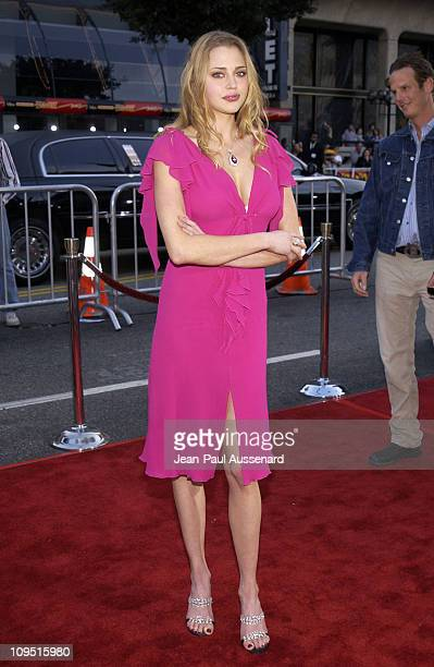 Estella Warren during 'Kangaroo Jack' Premiere Los Angeles at Chinese Theatre in Hollywood California United States