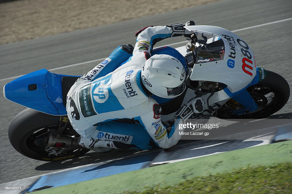 Esteve Rabat of Spain and Pons 40 HP Tuenti rounds the bend during the Moto2 and Moto3 Tests In Jerez - Day 3 at Circuito de Jerez on March 20, 2013 in Jerez de la Frontera, Spain.