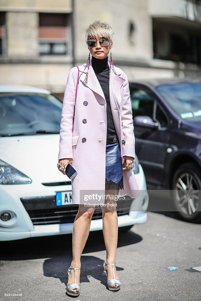 <a gi-track='captionPersonalityLinkClicked' href=/galleries/search?phrase=Esther+Quek&family=editorial&specificpeople=9540614 ng-click='$event.stopPropagation()'>Esther Quek</a> is seen, after the Dior show, during Paris Fashion Week Menswear Spring/summer 2017, on June 25, 2016 in Paris, France.